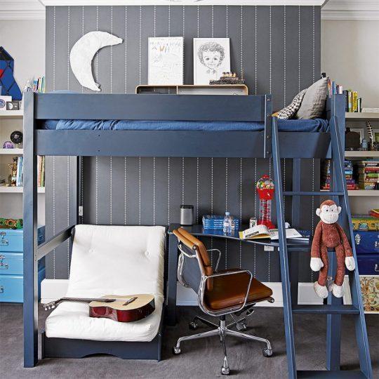Дизайн комнаты для мальчика: кровать-чердак