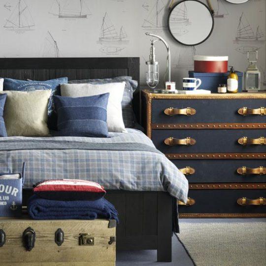 Дизайн комнаты для мальчика в сине-бело-голубых тонах