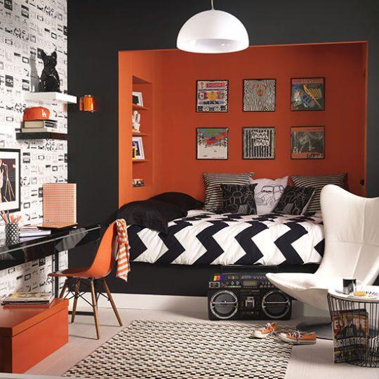 Дизайн комнаты для мальчика в ярко-оранжевом цвете