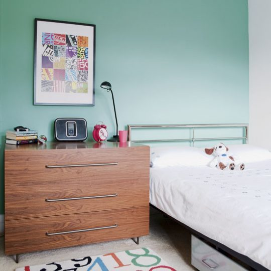 Современный дизайн комнаты для мальчика - фото 19