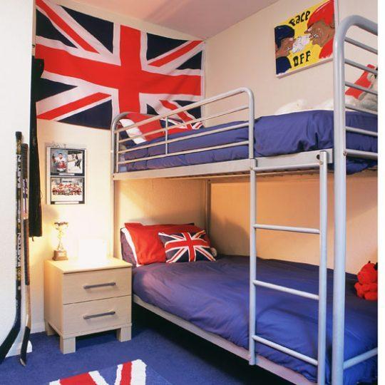 Современный дизайн комнаты для мальчика - фото 30