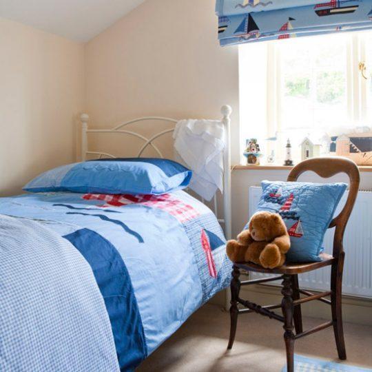 Современный дизайн комнаты для мальчика - фото 33