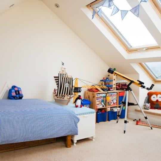 Современный дизайн комнаты для мальчика - фото 36
