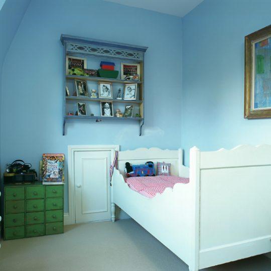 Современный дизайн комнаты для мальчика - фото 40