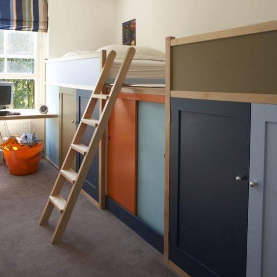 Современный дизайн комнаты для мальчика - фото 46