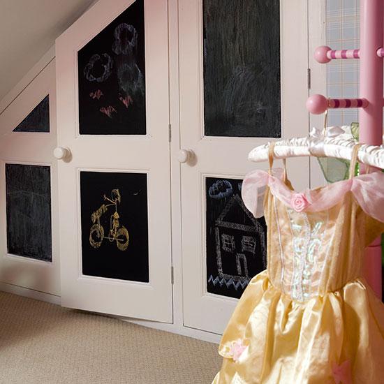 Идеи декора детской: шкаф, на котором можно рисовать мелом