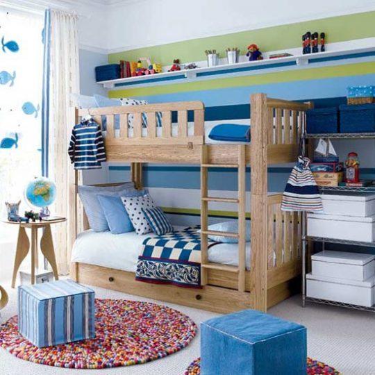 Идея декора детской: коврик из помпонов