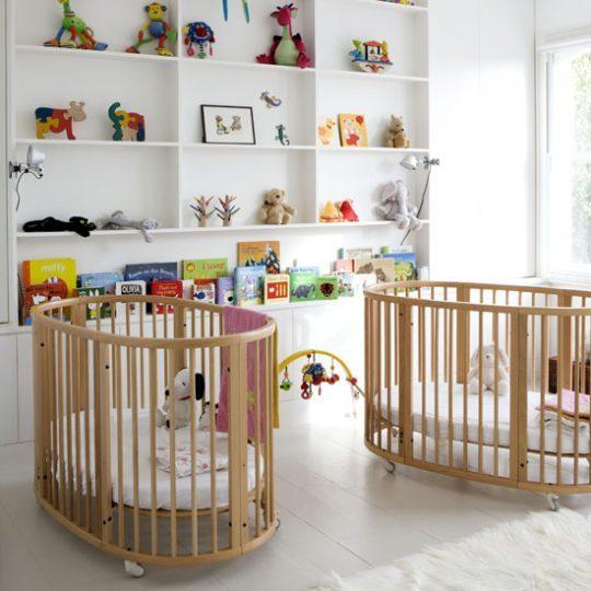 Идея декора детской: современная мебель с минимальным декором