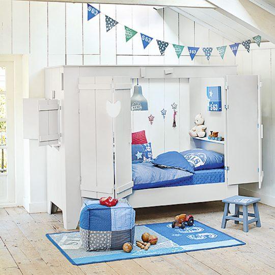 Идеи дизайна детской: кровать-домик