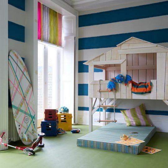 Идея дизайна детской с игровым домиком