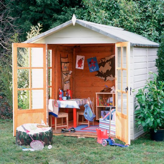 Идея дизайна детской: летний домик