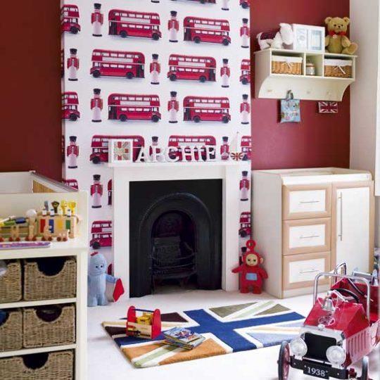 Идея дизайна детской с яркой стеной