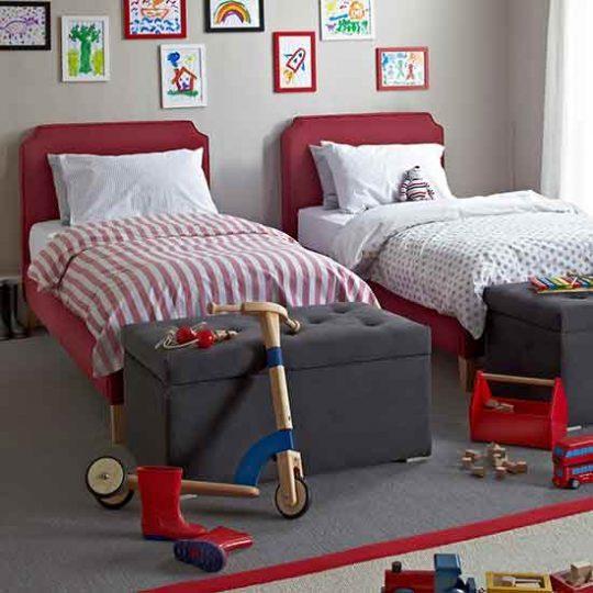 Мебель для детской: скамья с отсеком для хранения
