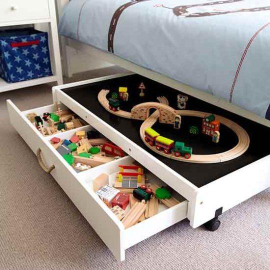 Мебель для детской: встроенные ящики кровати