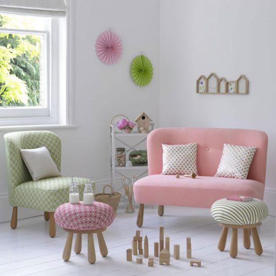 Стильная мебель для детской: мини-гостиная