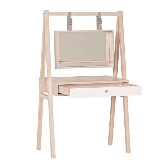 Стильная мебель для детской: мольберт