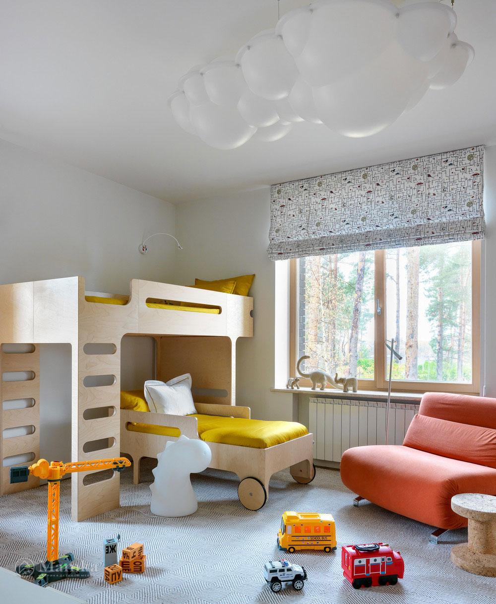 Детская комната для мальчика с комфортным красочным интерьером 2