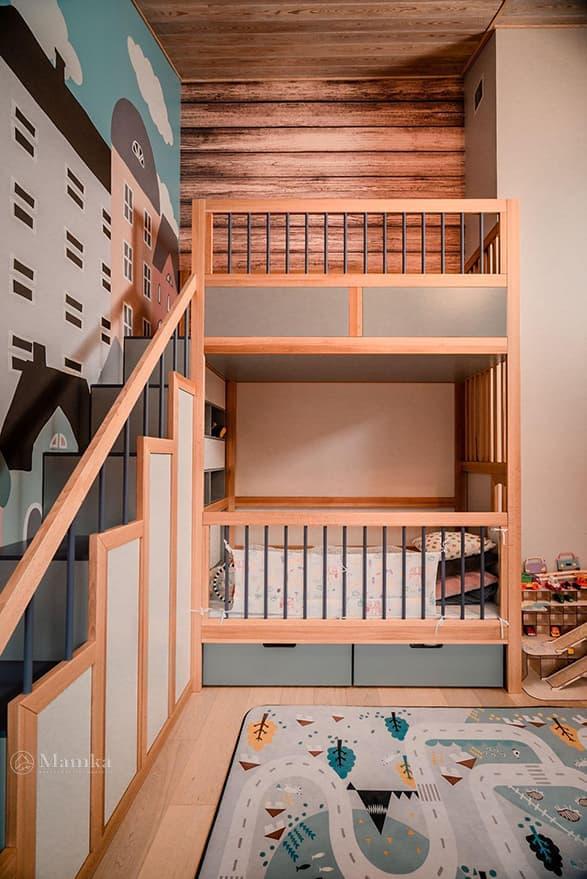 Детская комната в загородном доме на мансардном этаже фото 7