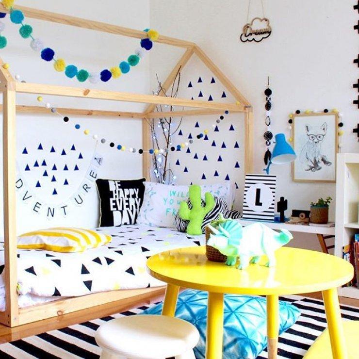 Детская кровать домик из древесины сосны