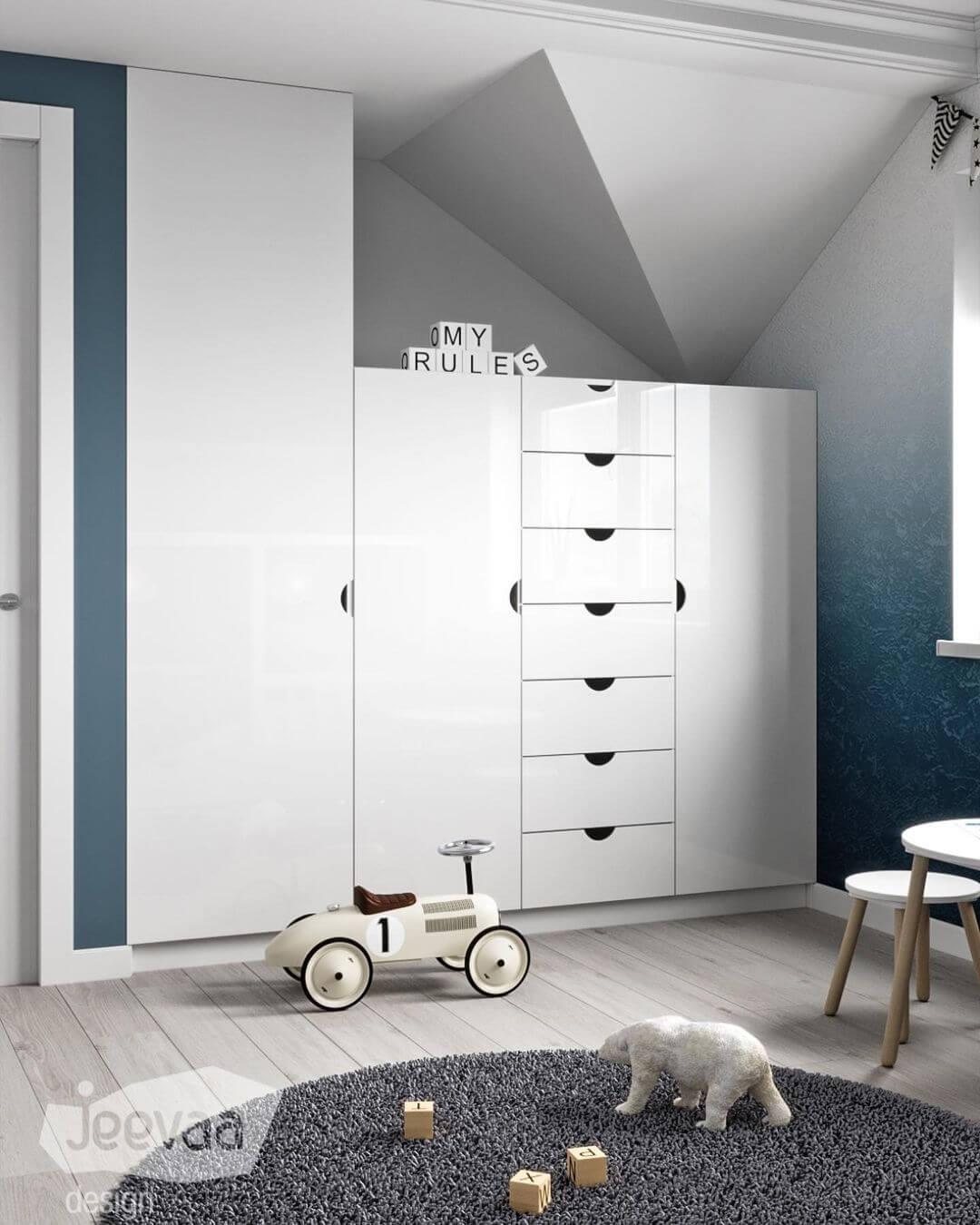 Дизайн детской комнаты дошкольников в бело-синих тонах 3