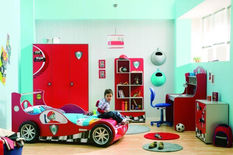 Дизайн детской для мальчика с функциональной системой хранения