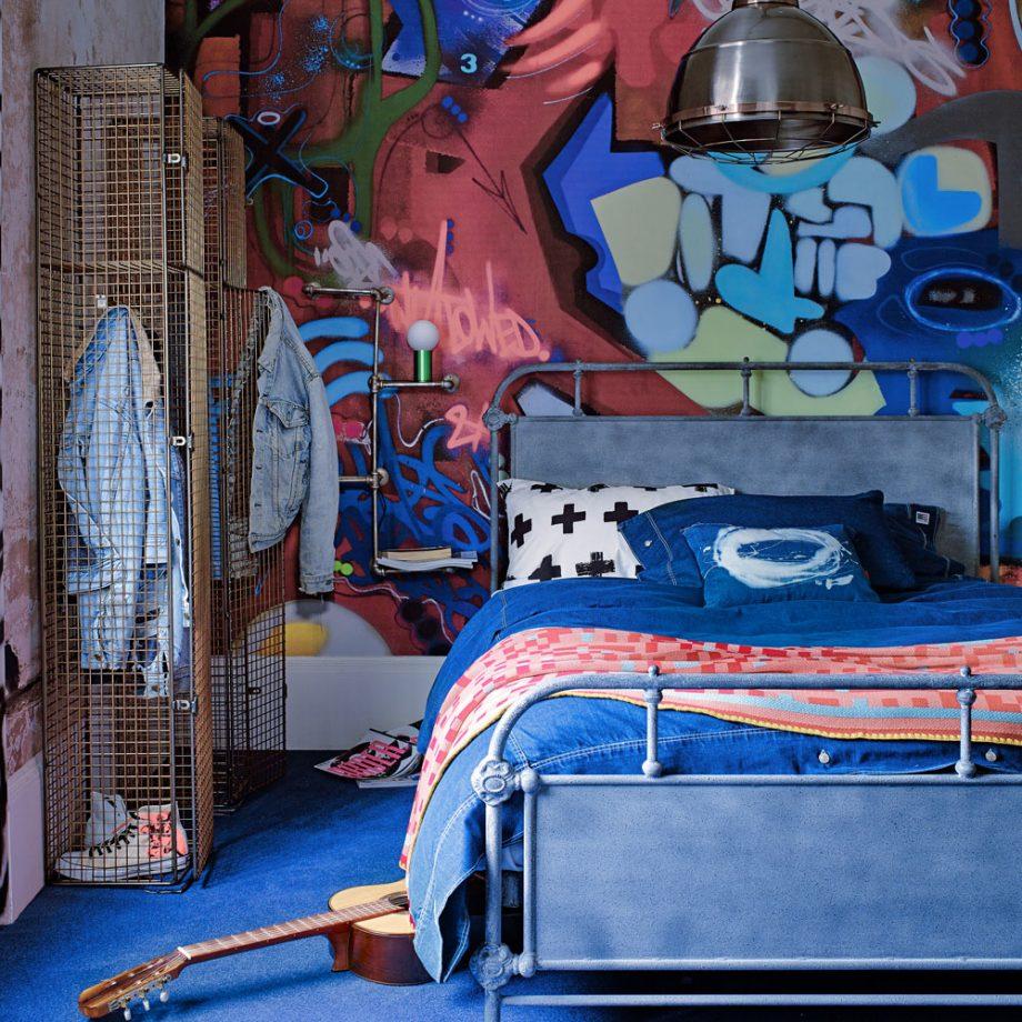 Дизайн комнаты для девочки-подростка в уличном стиле
