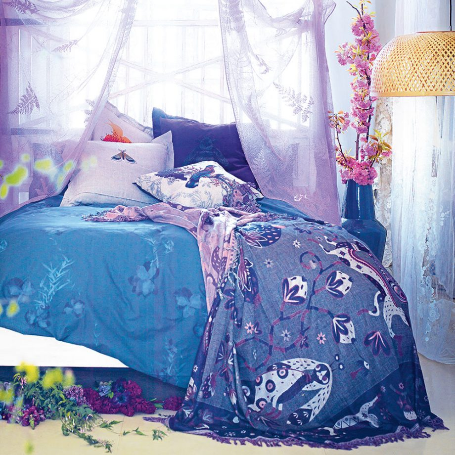 Воздушный дизайн комнаты для девочки-подростка