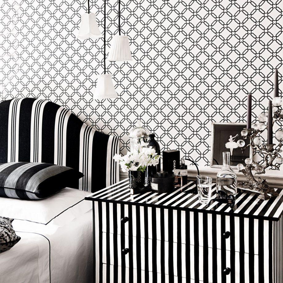 Дизайн комнаты для девочки-подростка в чёрно-белых тонах