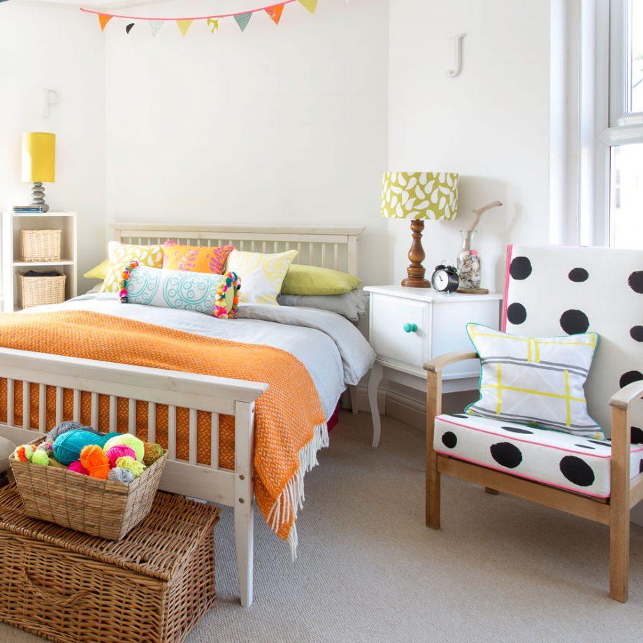 Дизайн комнаты для девочки-подростка: микс принтов