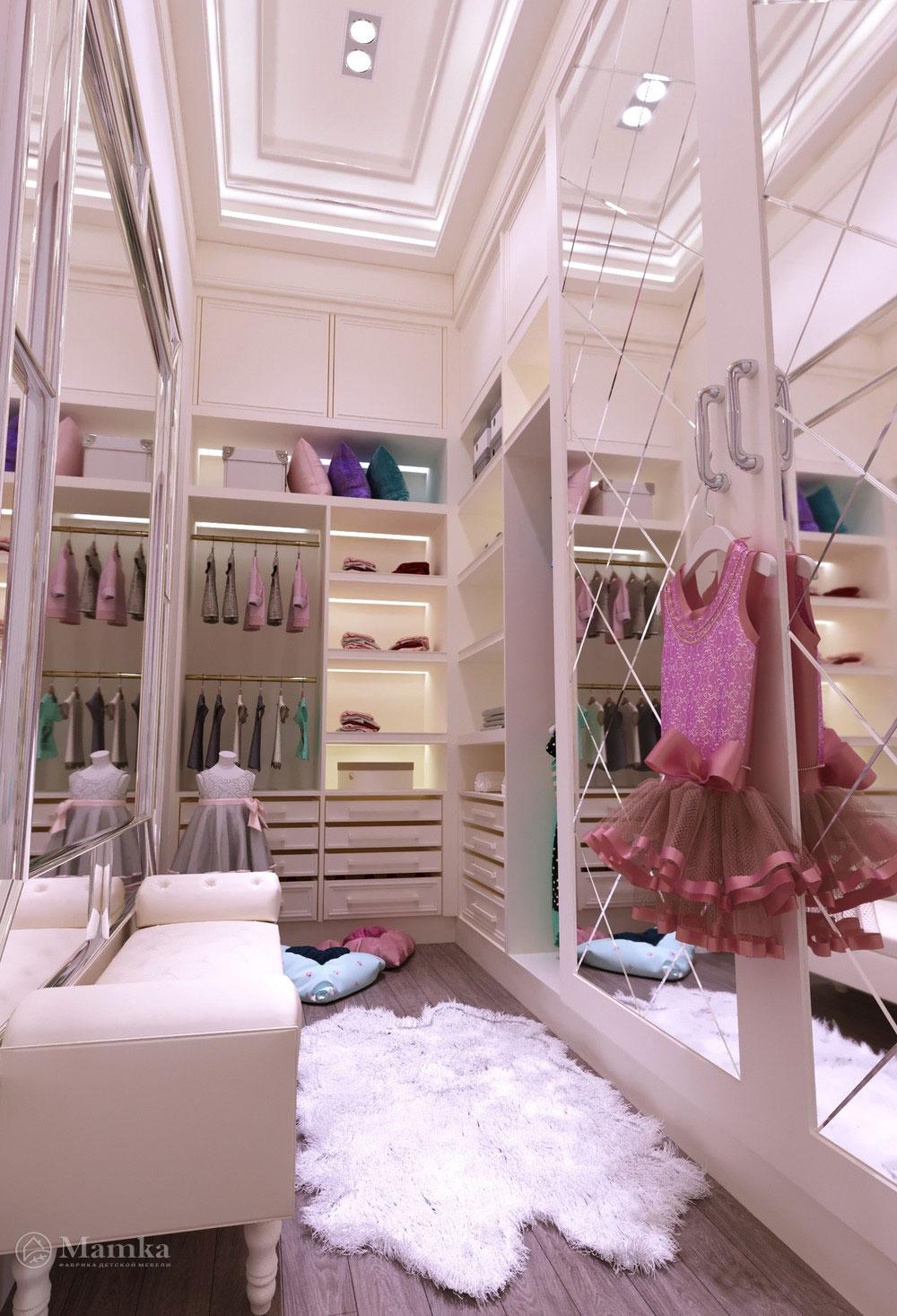 Утонченный дизайн маленькой детской комнаты для девочки в розовом тоне 6