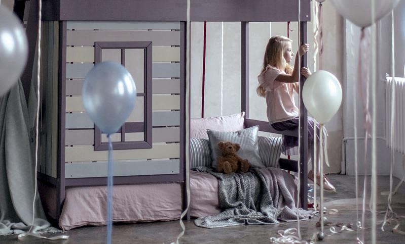 Детская кровать чердак в форме домика фото