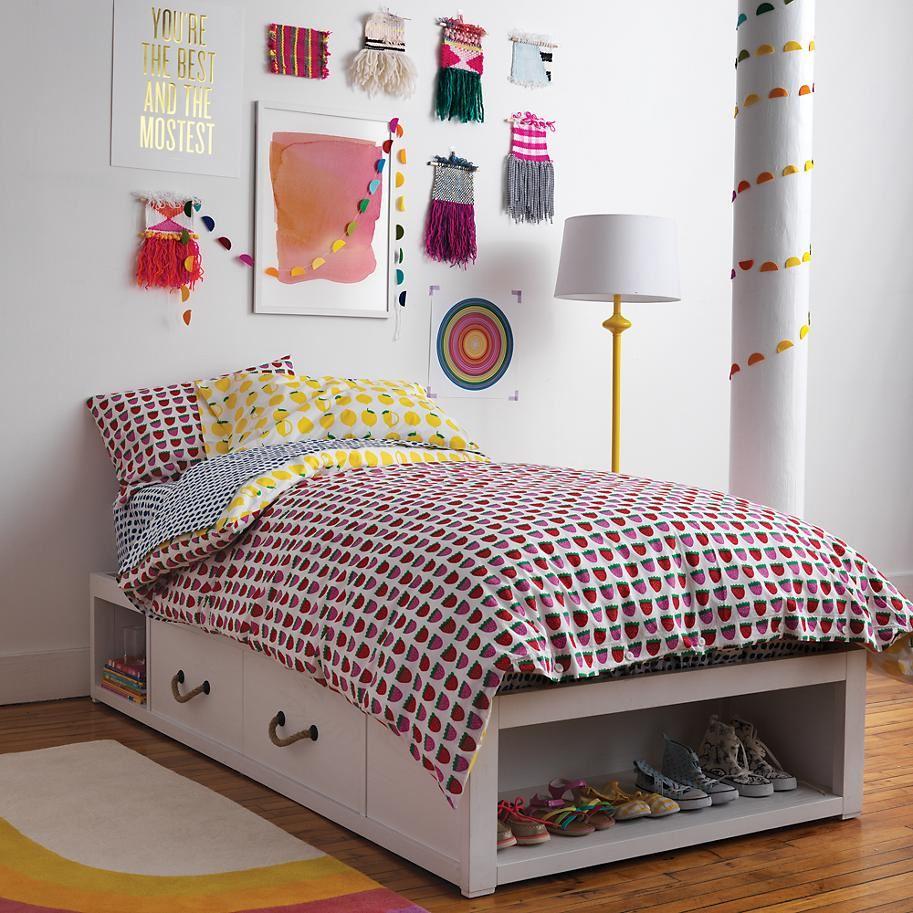 Порядок в детской: кровать с системой хранения