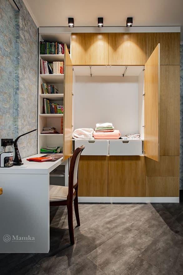 Детская комната для мальчика с необычной зоной отдыха фото 3