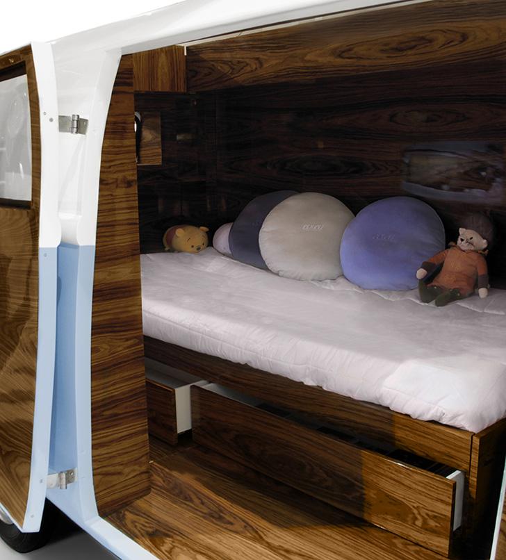 Кровати домики для мальчиков: фургон со спальным местом