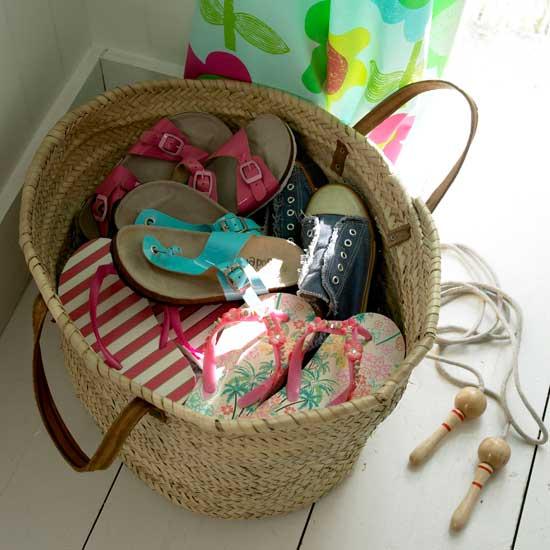 Летние идеи дизайна детской: корзина для обуви
