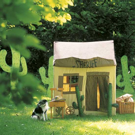 Летние идеи дизайна детской: палатка-домик