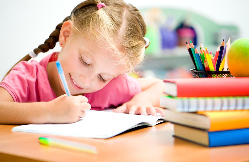нужно ли делать уроки с ребенком фото-1