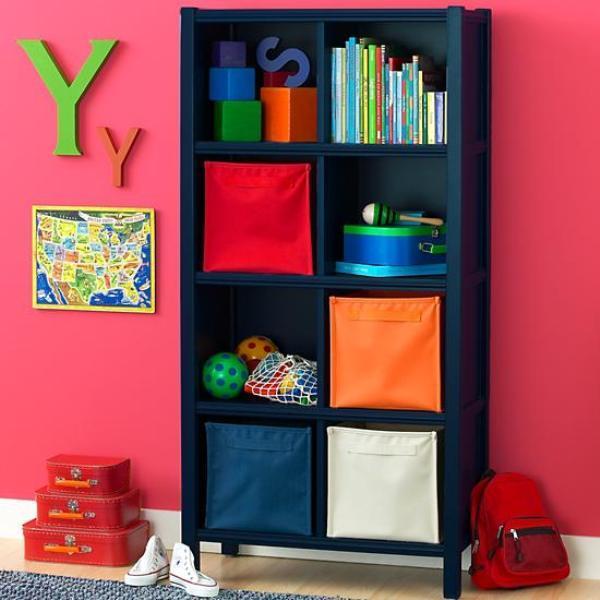 Креативный дизайн полки для детской: тёмно-синий стеллаж