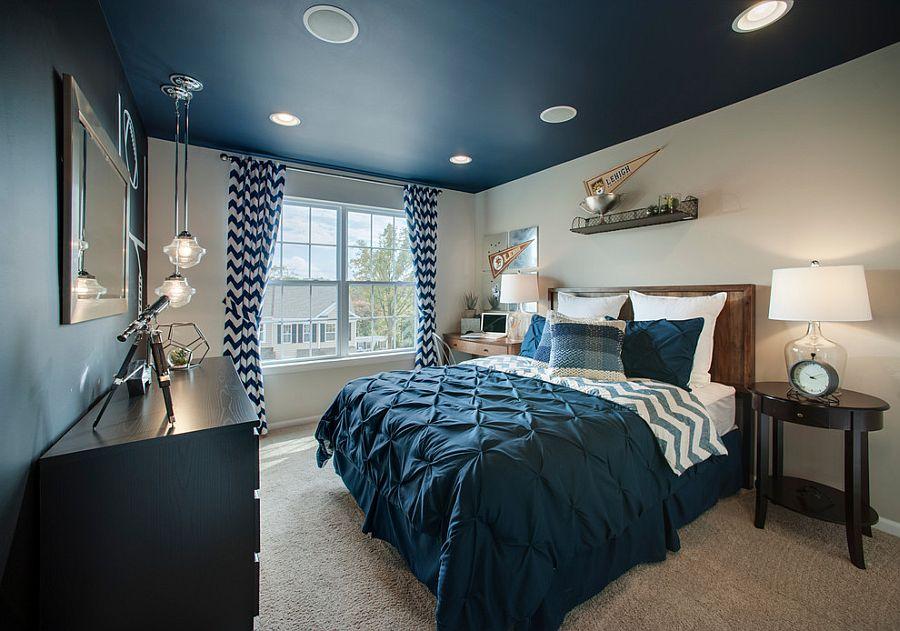Принт шеврон. Белые, синие и голубые зигзаги на шторах и постельном белье от W. B. Homes