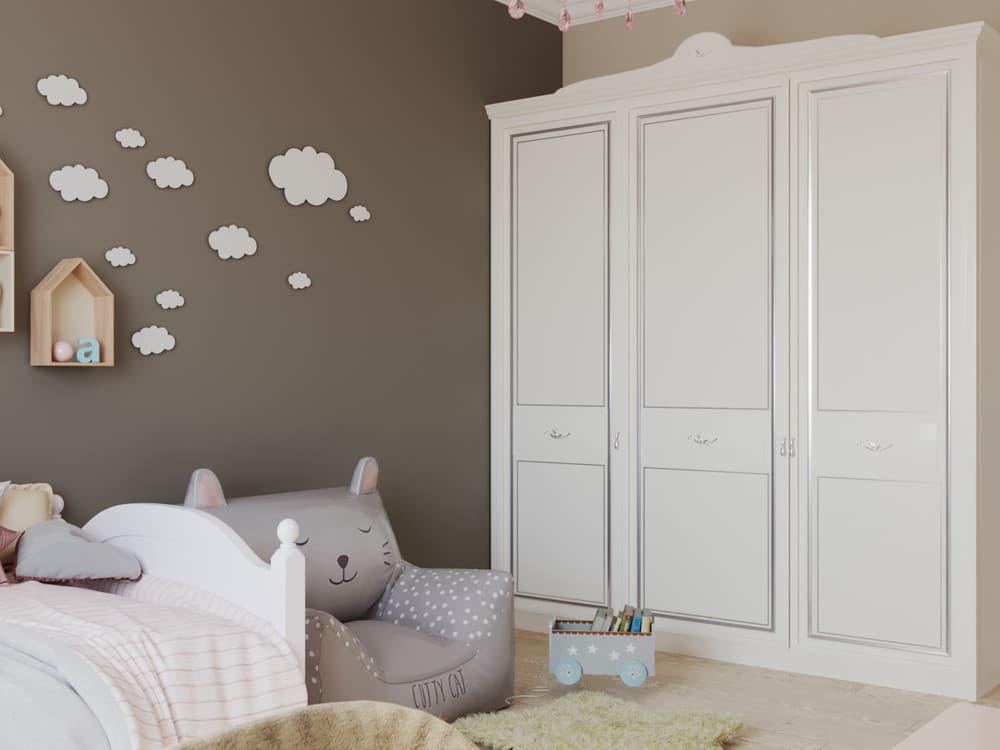 Детская комната для девочки в светло-коричневой гамме 2