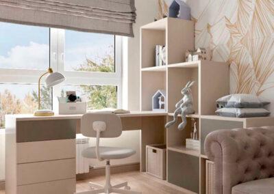 Мебель в светло-коричневом цвете в детскую комнату мальчика — проект 3865-1