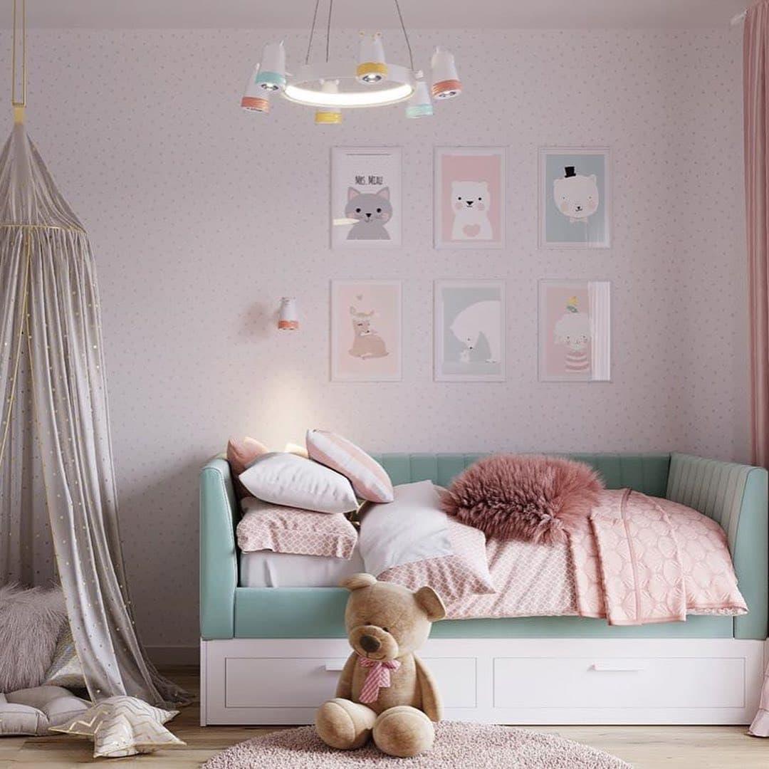 Уютная сказочная спальня для маленькой девочки фото 1